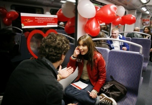 GERMANY-VALENTINE-TRAIN-BAHN-SPEED-DATING (AFP)