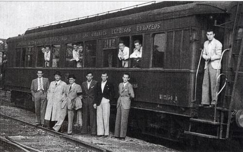 Jugadores del Athletic antes de la salida del tren (Manu Cecilio)