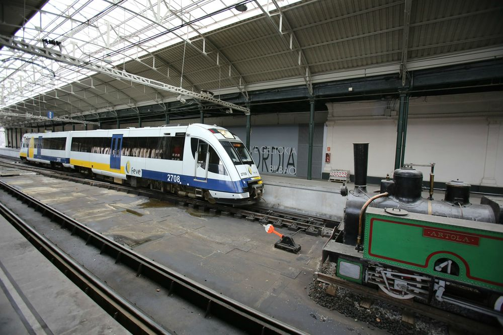Feve suprime los trenes diurnos que unen bilbao y for Horario de trenes feve