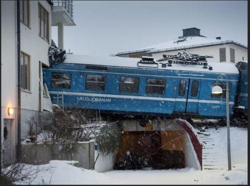 tren-empotrado-viviendas-estocolmo