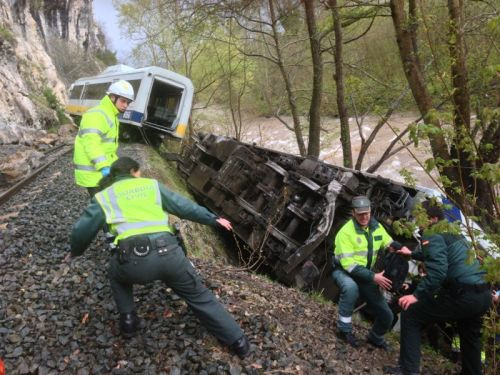 accidente-feve-en-cantabria.jpg