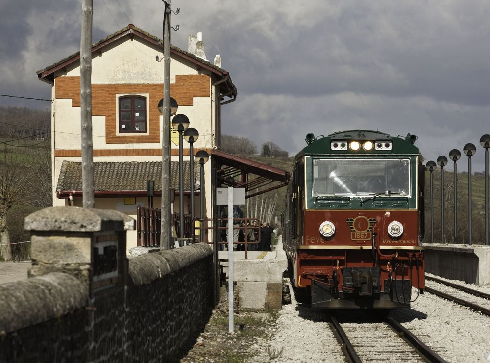Renfe exhibe la oferta de trenes tur sticos del norte for Horario de trenes feve