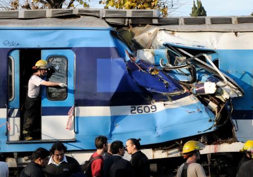 accidente-castelar-linea-sarmiento-argentina