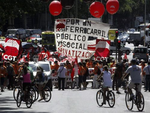 protesta-en-madrid-desmantelamiento-renfe-y-adif