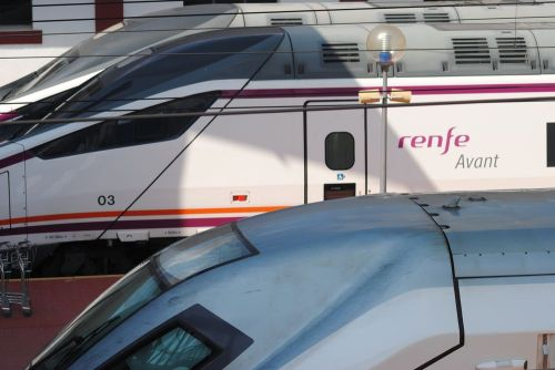 tren-avant-de-renfe-operadora-en-valladolid