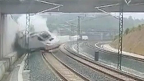 Spain-train-derailing-016