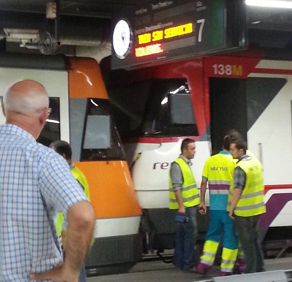 Tren parado en estacion - 3 part 1