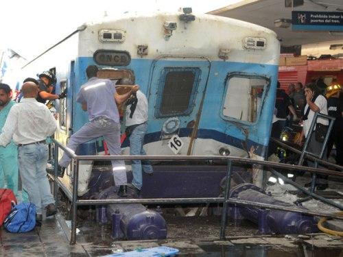 Choque-de-tren-en-estacion-once-argentina