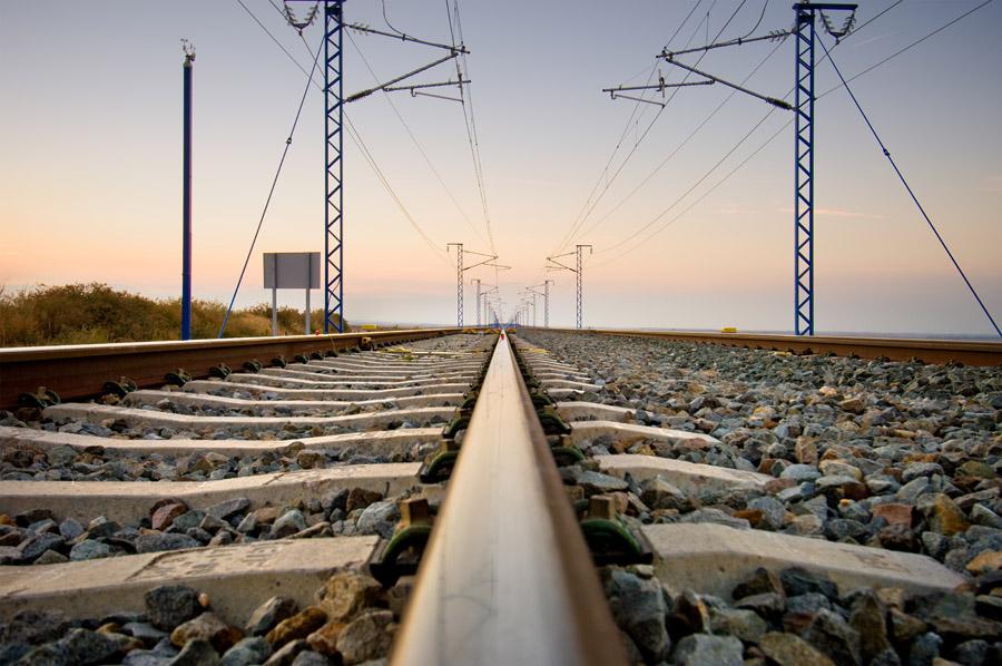 Cu nto cuesta cada kil metro de la red de alta velocidad for Cuanto cuesta un billete de tren de barcelona a paris