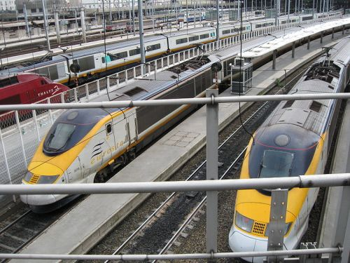 Eurostar_trainsets_at_Paris_Nord