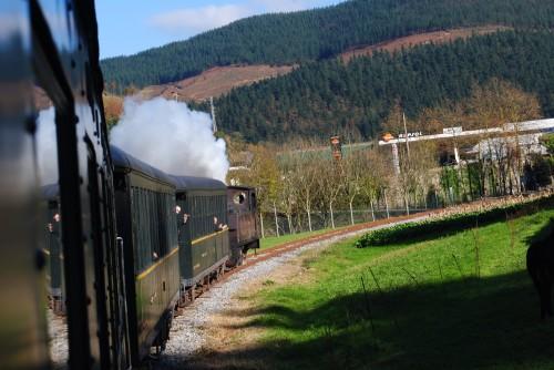 locomotora-aurrera-camino-lasao-diciembre-2013.jpg