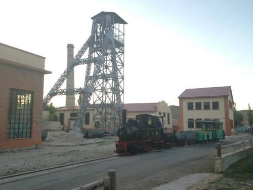 hulla-tira-tren-minero-utrillas