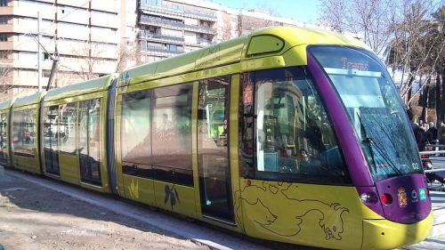 Jaen-_Tranvía_en_Las_Batallas_pruebas