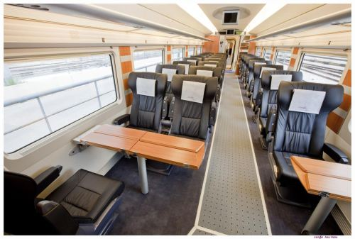 vista-interior-coches-renfe-s112