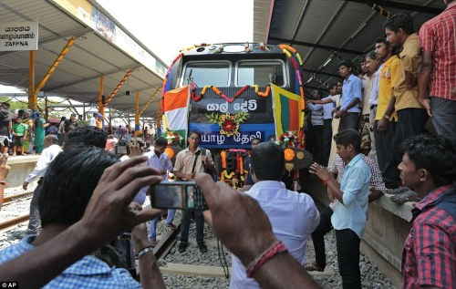 Sri-Lankan-ethnic-Tamils-trains
