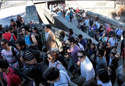 viajeros-metro-santiago-chile