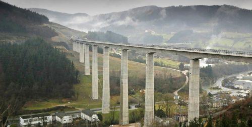 obras-y-vasca-viaducto-bergara-lobo-altuna