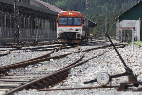 tren-acto-reivindicacion-linea-canfranc