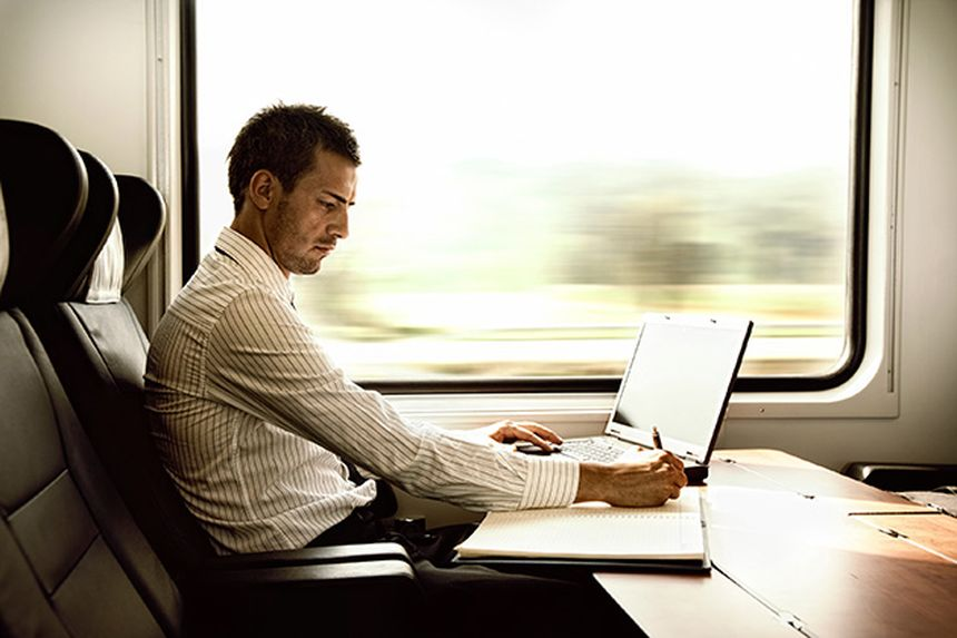 tren-conecion-inyernet-ordenador