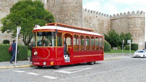 tranvia-neumatico-1515-avila-turismo