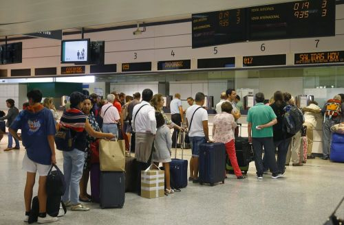 viajeros-colas-estacion-chamartin