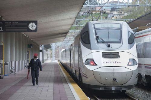 tren-renfe-larga-distancia-santander