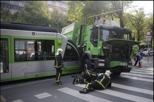 accidente-tranvia-camion-basura-luis-calabor