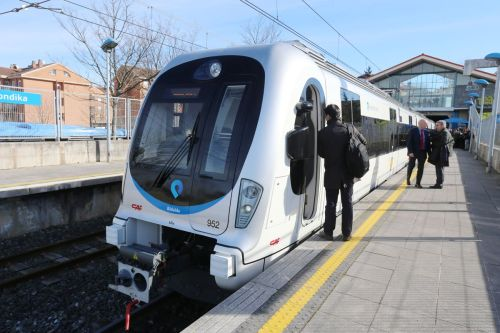 unidades-950-euskotren-txorierri-metro3-pedro-urresti