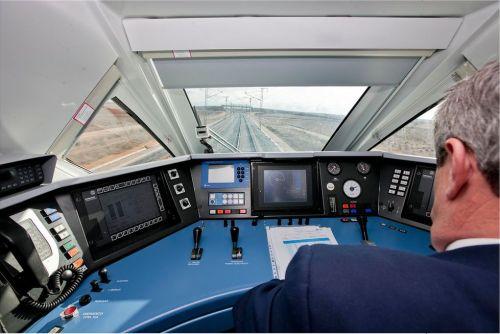 cabina-s112-maquinista-renfe-patier