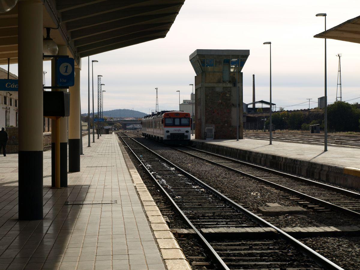 estacion-tren-caceres-regional