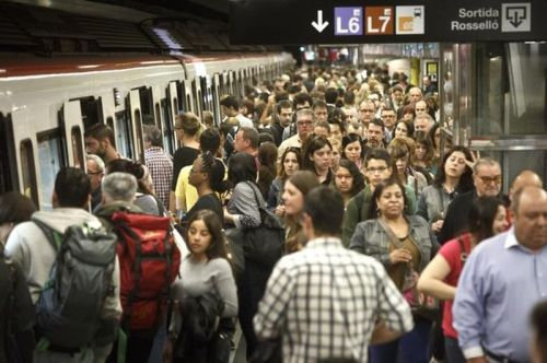 colas-huelga-metro-barcelona-ana-jimenez