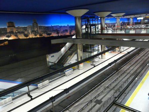 Cierra por obras la línea L8 de Metro Madrid