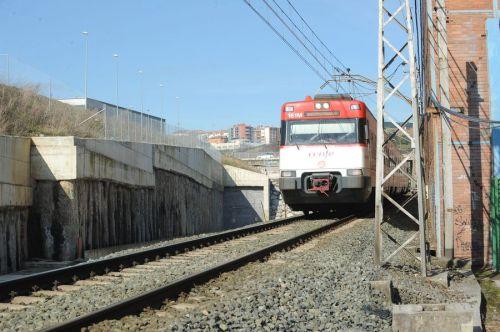 [Imagen: tren-cercanias-tunel-serantes.jpg?w=500&h=333]