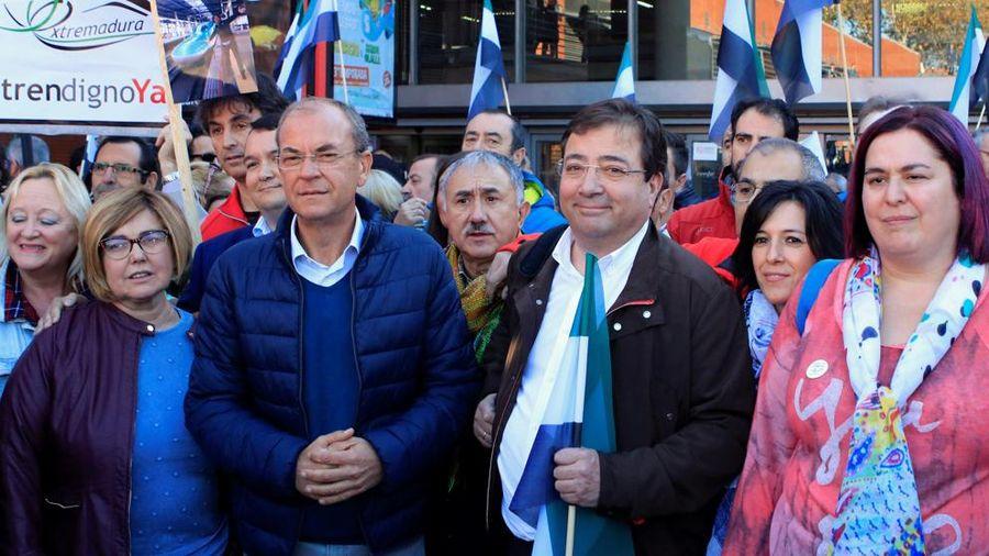 """Extremadura exige en Madrid """"un tren digno"""""""