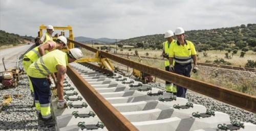 Isolux deja las obras del AVE a Extremadura